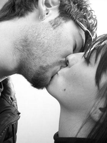 נשיקה וריגוש